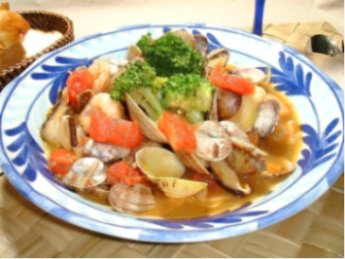 アサリとエビのトマトスープ煮